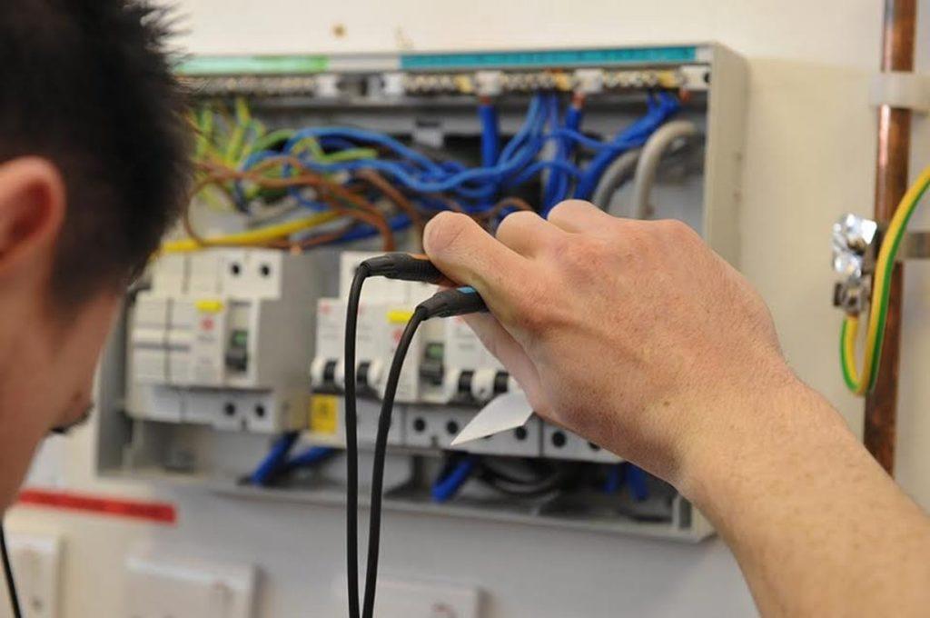 Elektro revize bytových domů