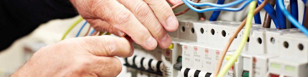 Cena elektřiny a její revize