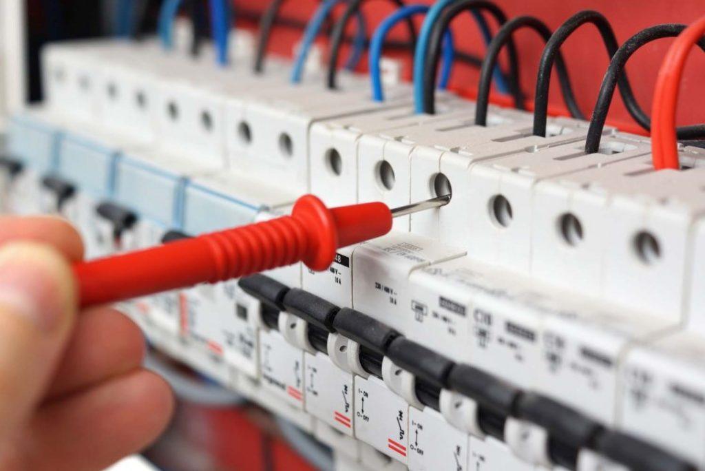 Revizní technici elektro seznam