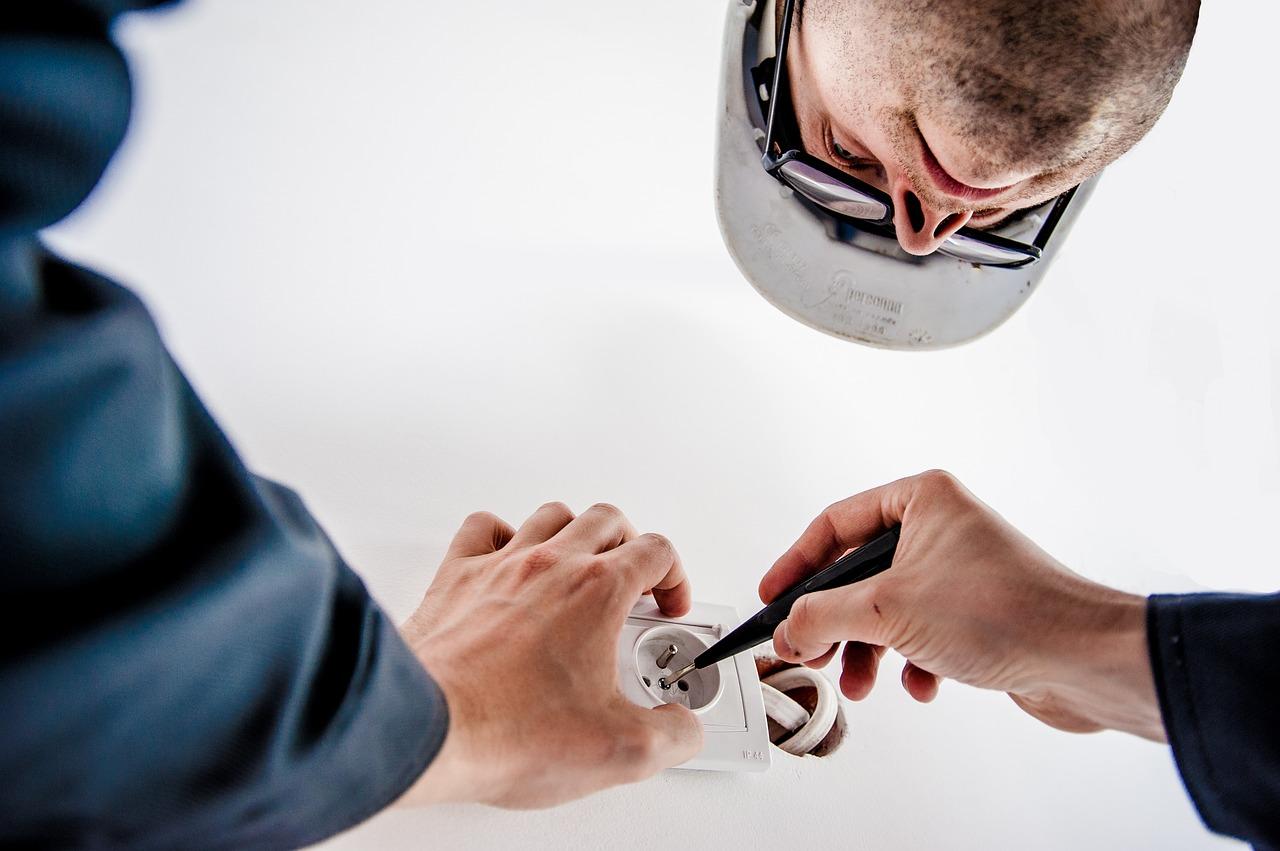 Kontrola zařízení a odborné připojení